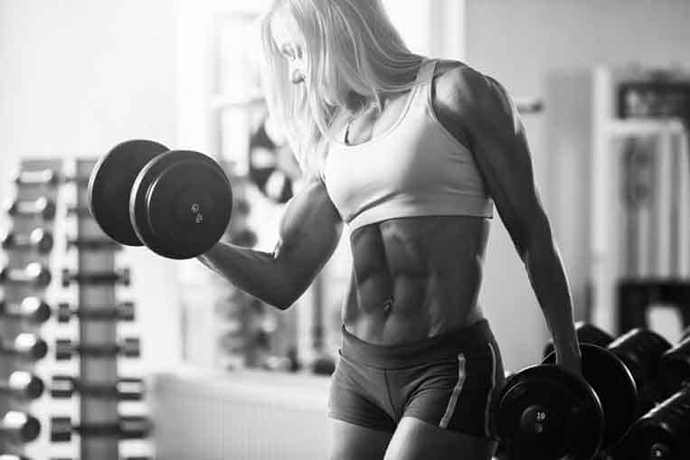 woman weight lifter